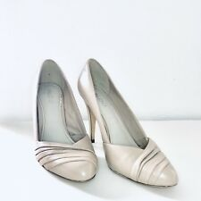 """Beautiful ALDO Beige Leather 4"""" High Heal Shoes Size 40"""
