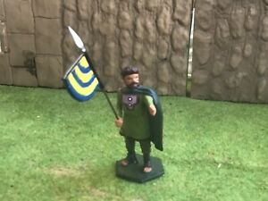 Norma or Saxon Warrior with standard. 54 mm metal soldier