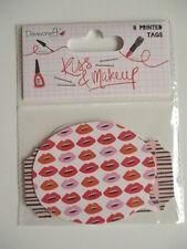 Dovecraft KISS & Maquillage carte 8 étiquettes-TOPPERS-Coeurs Rouge à lèvres lips