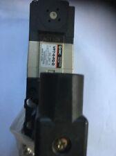 SMC VP7-6-FG-D 110v SOLENOID SOLENOID 5-PORT VALVE SUB BASE ISO1