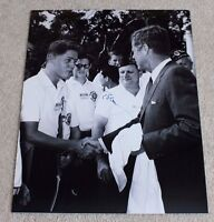 PRESIDENT BILL CLINTON SIGNED JFK MEETING 11X14 B/W PHOTO W/COA JOHN F KENNEDY
