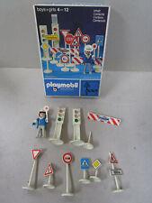 Vintage 1974 Playmobil 3204 : feux et signaux en boite, bon état mais incomplet.