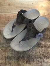 Fitflop Sandals Fiorella Bronze Brown floral Leather Thong Flip Flop Slides 7