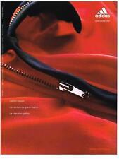 PUBLICITE ADVERTISING  2002    ADIDAS    VETEMENTS DE SPORT