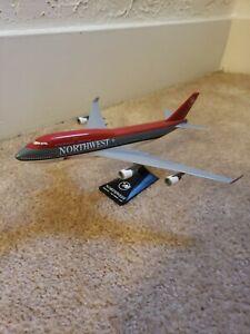 Northwest Airlines 747 Desk Model 1:250