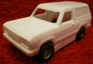 Resin HO SLOT CAR scale Dodge Ramcharger 2021 new tooling tyco mounts