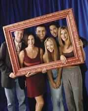 FRIENDS - TV SHOW CAST PHOTO #310