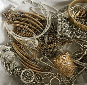 UnTested WEARABLE VInTAGE Mod 1-2+ LB Lot Bundle Jewelry Gold Silver Tone