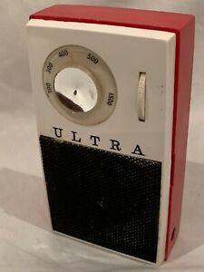 ULTRA TR-88 1961 VINTAGE & VERY RARE TRANSISTOR RADIO IN WORKING CONDITION
