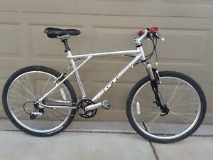 Retro Vintage GT Aluminum Mountain MTB Bike Shimano XT Marzocchi Fork 18in