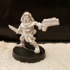 Warhammer40k Necromunda Cawdor Gang Juve with handgun & Knife 1 metal unpainted