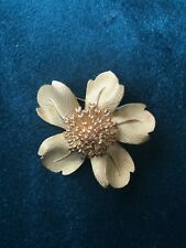 Rare Tiffany & Co. Dogwood Flower 18k Yellow Gold Brooch, Excelent Condition
