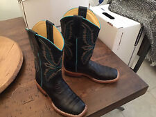 New listing macie bean boots girls Size 4 New, Never Worn