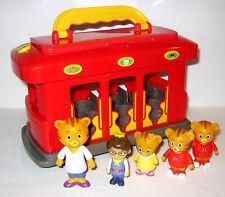Daniel Tiger's Neighborhood Trolley and Figures Lot