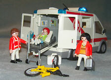 Playmobil 4221 City Action Emergency Ambulance with FLASHING LIGHTS 4221 VGC