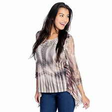 One World Printed Knit Ruched Sleeve Lace Detail Sharkbite Hem Top