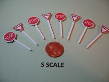 SET OF 4@ S SCALE CUSTOM-MADE HIGHWAY STOP & YIELD SIGNS, NEW