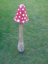 champignon en bois et métal patinée , décoration , champignon géant
