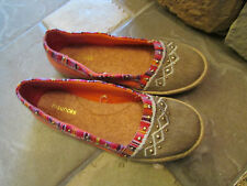 MAURICES ESPADRILLE FLATS LOAFERS SHOES WOMENS 8 ORANGE MULTI SLIP ONS