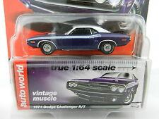 2017 AUTO WORLD 1:64 *PREMIUM 1A* PURPLE 1971 Dodge Challenger R/T *NIP*