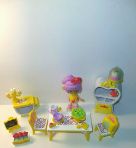Little Shoppies Disney Happy Places Beauty Blossom Doll Furniture & Accessories