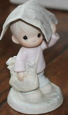 """Precious Moments Figurine """"Sending you Showers of Blessings�"""