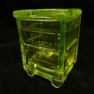 """PENNY TRUST CO""  SAFE w/ Lid Westmoreland YELLOW VASELINE Uranium Glass Summit"