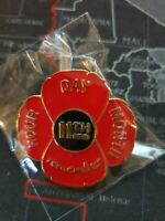 Remembrance Day Red flower lapel badge lest we forget
