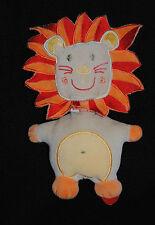 Peluche Doudou Lion AUCHAN  Semi Plat Beige Orange Rouge  20 Cm TTBE