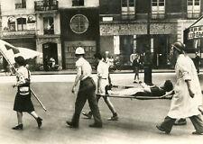 Drapeau Blanc Croix Rouge impose silence aux ARmes à Feu quand passe un blessé