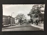 Vintage RP Postcard: Essex: #T7: Ingrave Road, Brentwood