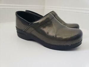 Dansko Green Leather Women's Clogs Size 39 | US 8.5-9