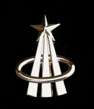 NASA ASTRONAUT LOGO LAPEL SILVER PIN UP US PILOT CREW APOLLO SPACE SHUTTLE USA