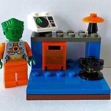 Lego - Space - Custom Mini Build - Office Work Station Desk Table Minifigure