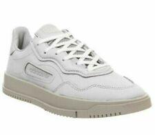 Baskets gris adidas pour homme