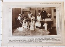 1915 WWI WW1 PRINT MAKING BLANKETS OUT OF NEWSPAPERS WORK ON WAR COMFORTS BERLIN