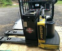 2017 HYSTER Electric Pallet Jack (609 Hrs) B60ZHD 6,000lbs w/ battery + charger