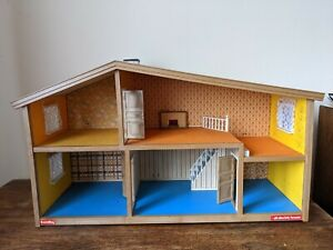 Lovely Vintage 1970s Lundby Gothenburg Dolls House - great condition - electric