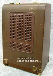 Vintage Revere Model S-16 16mm Filmsound Projector Working with Speakers in Case