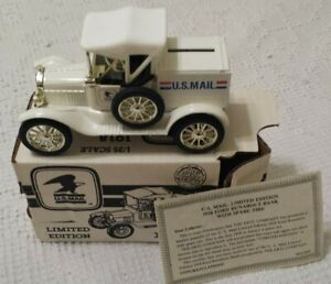 Limited Edtion White ertl 1918 USA Mail Ford Truck Runabout Bank 1/25 scale