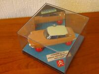 CITROEN DS19 - 40th Anniversary - 1955 to 1995 - Diecast model by 'VITESSE'.