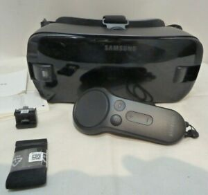 Samsung Gear VR Oculus With Controller Boxed