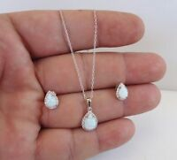 OPAL CENTER NECKLACE PENDANT & EARRING SET / 925 STERLING SILVER / 18'' LONG