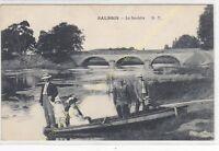 CPA 41300 SALBRIS La Sauldre animée famille dans une barque  Edit D.T.