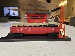 Lionel 342 Culvert Loading Station & 6342 Gondola Car