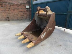 """CASE 42"""" DIGGING BUCKET WITH TEETH ON 90 MM PINS / FREE UK DELIVERY INC"""
