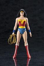 DC UNIVERSE WONDER WOMAN CLASSIC Costume ARTFX + Statue, Nuovo con Scatola