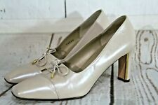 St John Pumps Ivory Leather Gold Plate Detail Heels Bow/Ties Shoes Size 7 B