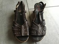 Jones Ladies Brown Wedge Slingback Shoes / Sandals Size 40 / 7. Good Condition.