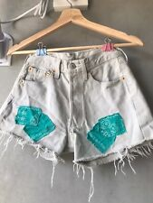 High Waisted Grey Vintage Levi Short 501 With Raw Hem And Patches